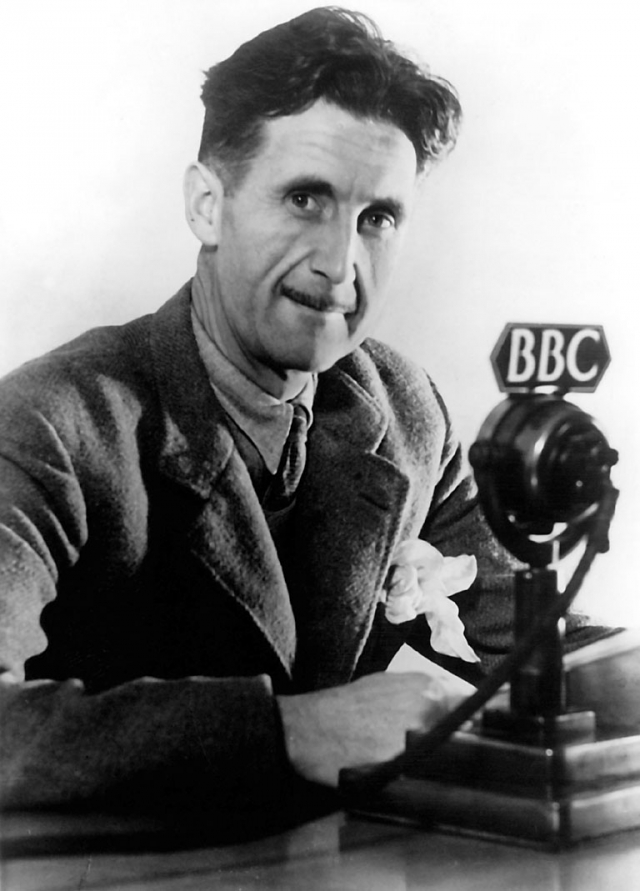 Джордж Оруэлл во время работы на BBC. 1941
