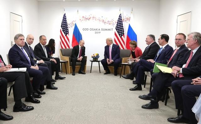 Владимир Путин и Дональд Трамп на саммите «Большой двадцатки» в Осаке