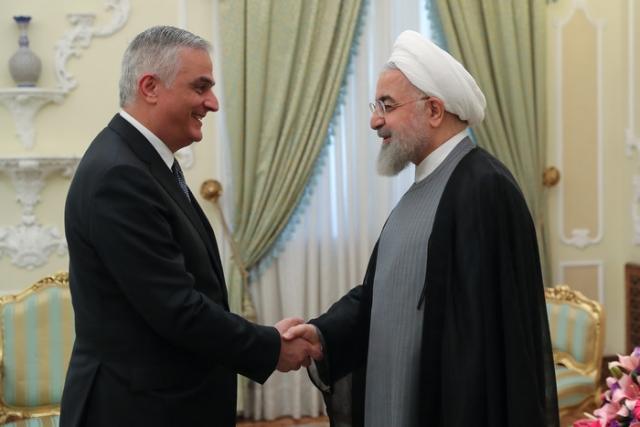 Мгер Григорян и Хасан Рухани