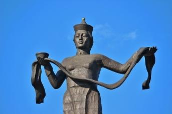 Скульптурная композиция «Гостеприимная Бурятия» в Улан-Удэ