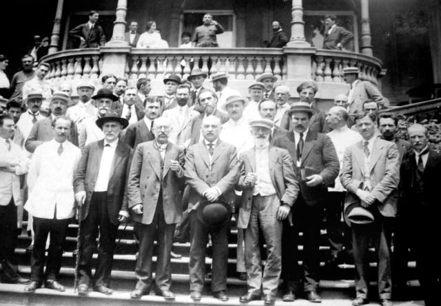 Члены Национального совета Грузии. 26 мая 1918