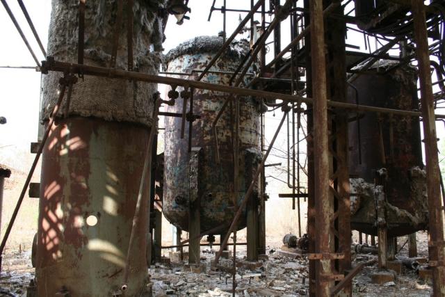 Секция закрытого завода MIC в Бхопале. Индия