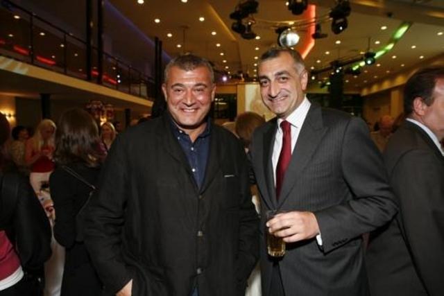 Леван Гачечиладзе и президент TBC Bank Мамука Хазарадзе(справа)