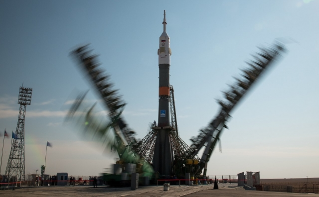 Ракета с кораблем «Союз» перед стартом