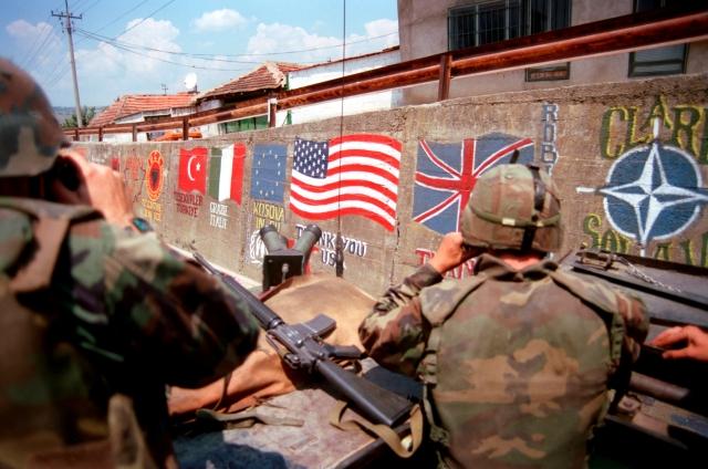 Американские морские пехотинцы в составе войск НАТО. Косово. 1999