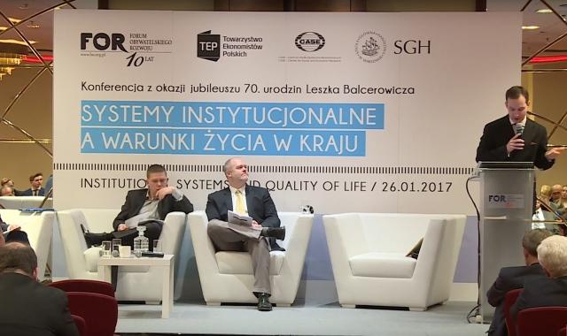 Экономический форум, организованный центром социально-экономических исследований. Варшава