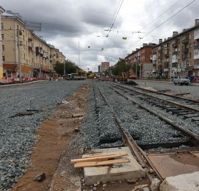 Укладка бесшовных трамвайных путей в Перми