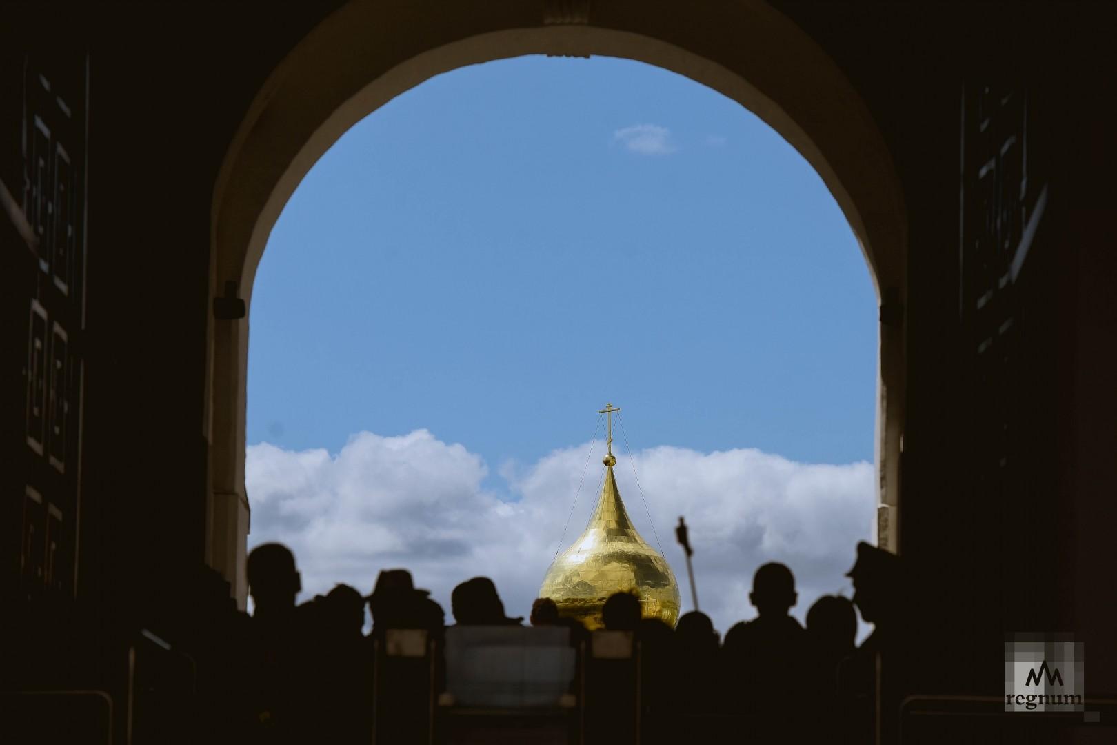 Ясное небо над Москвой