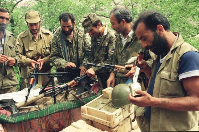 Азербайджанские солдаты во время войны в Нагорном Карабахе
