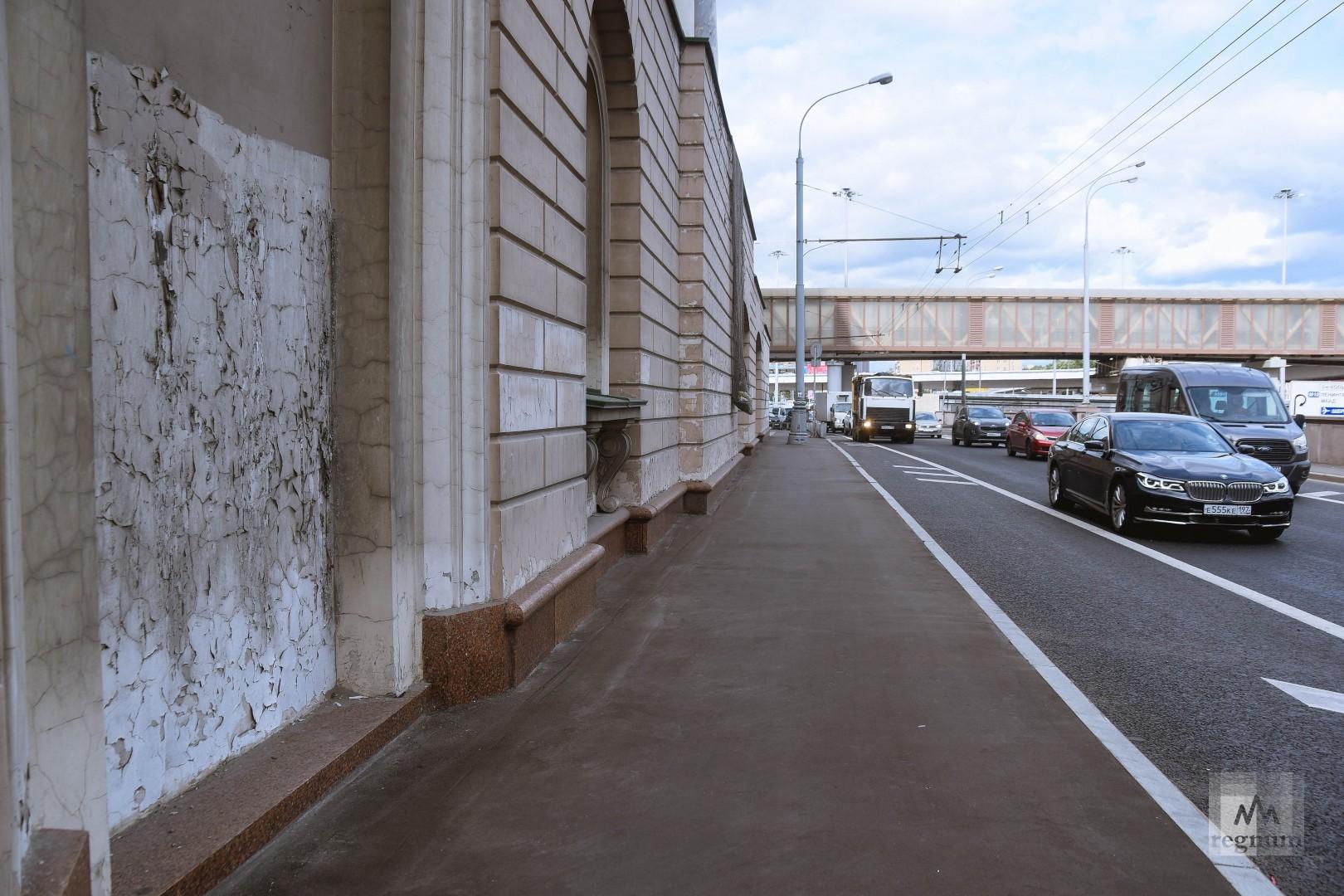 Трибуна со стороны Ленинградского шоссе
