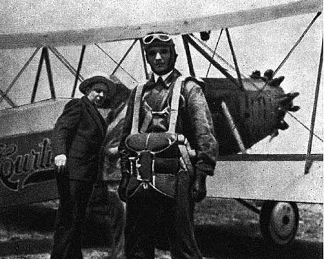 Леонид Минов перед первым парашютным прыжком в США