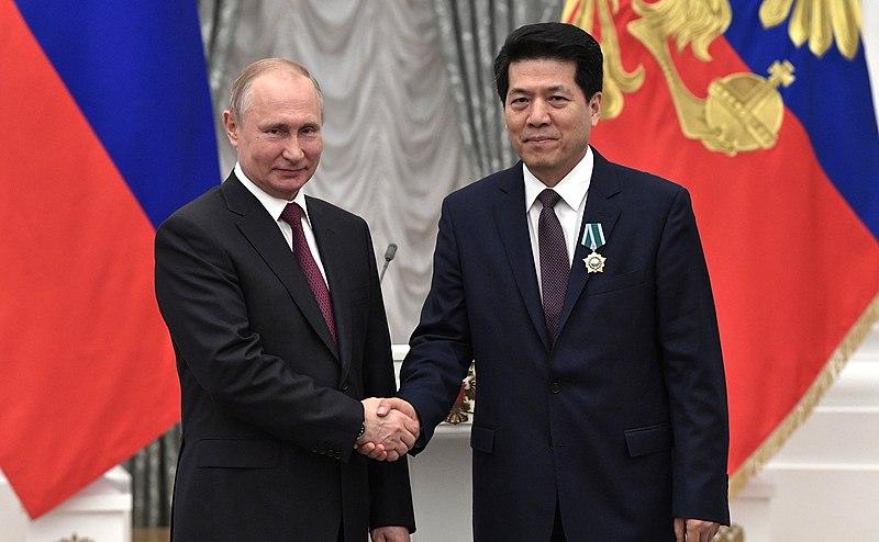 Чрезвычайный и полномочный посол Китайской Народной Республики в Российской Федерации Ли Хуэй награждён Орденом Дружбы