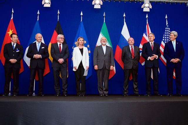 Министры иностранных дел Франции, Германии, Европейского Союза, Ирана, Соединённого Королевства и США, а также китайские и российские дипломаты. Лозанна, 2 апреля 2015