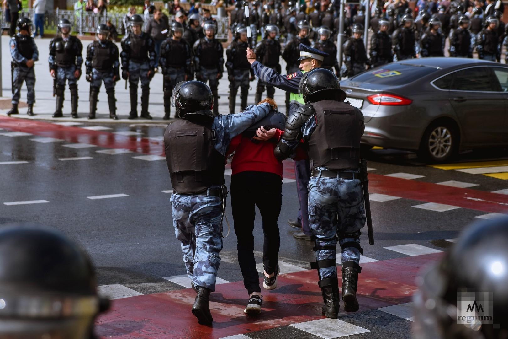 Задержание участников несогласованной акции протеста