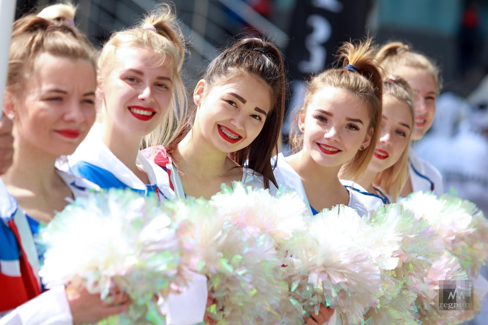 Праздничный спортивный парад в Бокситогорске