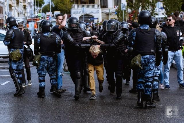 Задержание на несанкционированной акции протеста в Москве