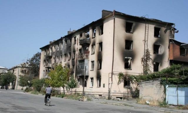 Цхинвал после артиллерийского обстрела грузинских войск