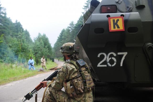 Грузинские солдаты в ходе совместных учений стран-участниц НАТО