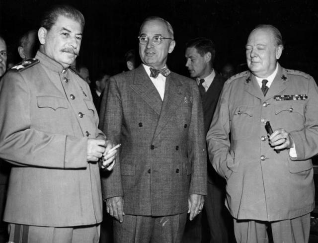 Иосиф Сталин, Гарри Трумэн и Уинстон Черчилль. Июль 1945