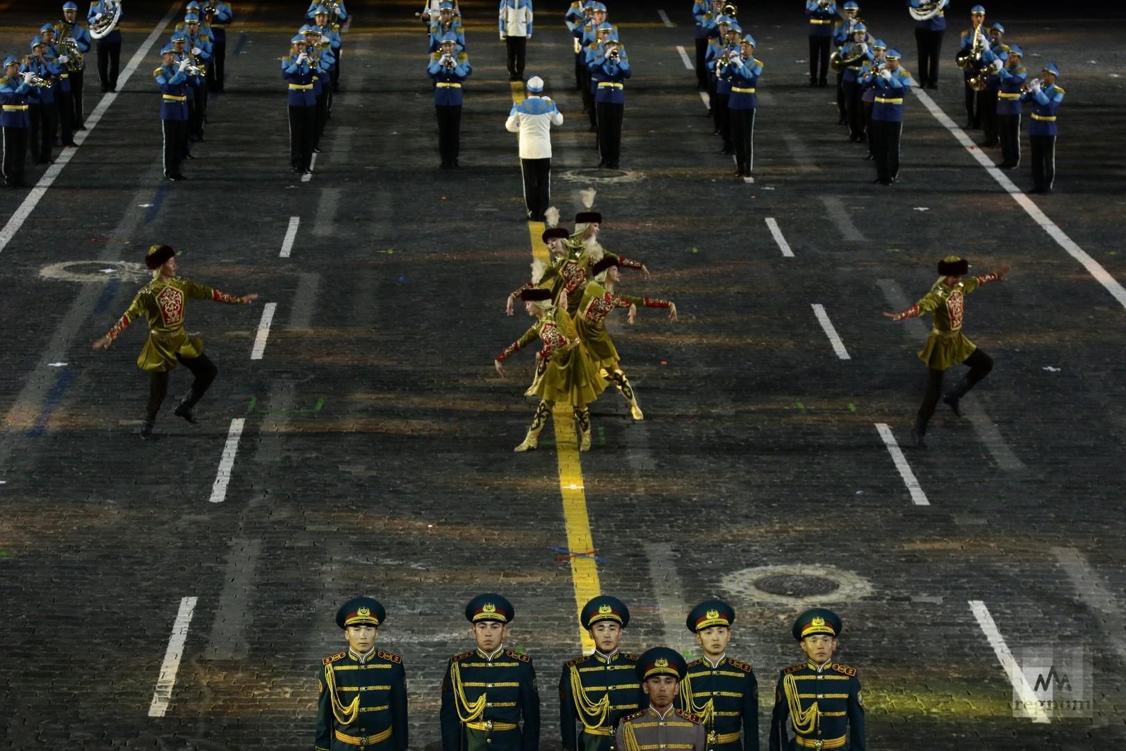 Выступление  оркестра и роты почетного караула Национальной гвардии Республики Казахстан