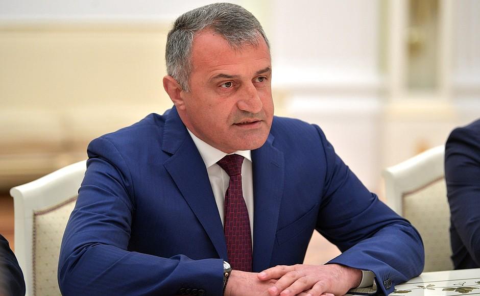Gürcüstandakı separatçıların rəhbəri koronavirusa yoluxdu