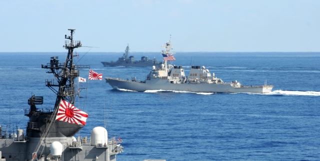 ВМС США и Японии