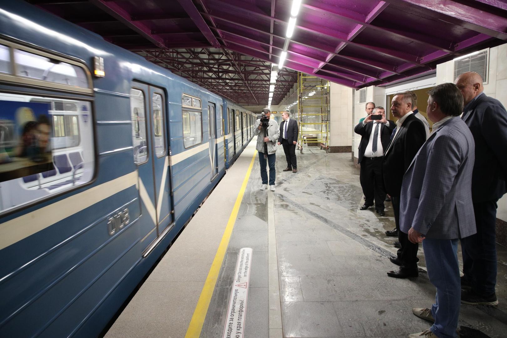 Беглов распорядился устранить недочёты к открытию новых станций метро
