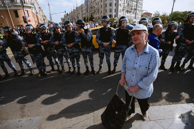 ОМОН на Пушкинской площади