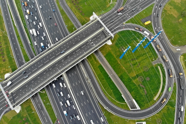 До конца 2019 года в Москве введут в эксплуатацию 40 км дорог