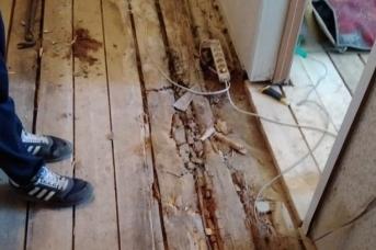 Пол в доме для сирот в Борисоглебском