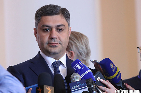 Пашинян сократил руководителя Службы нацбезопасности иотправил его поднимать армянский футбол