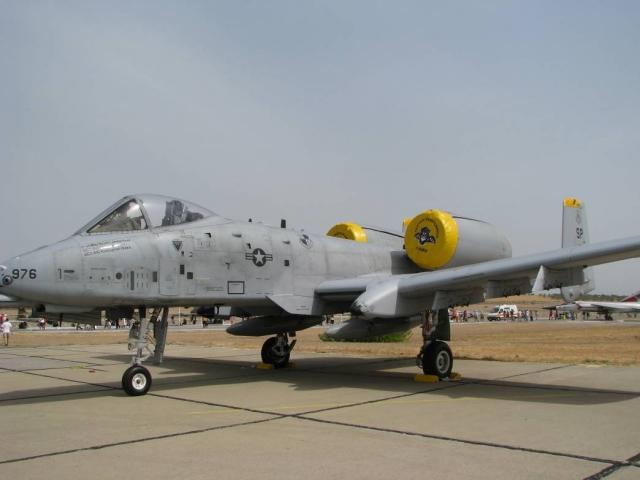 Штурмовик A-10 ВВС США на аэродроме в Ларисе. Греция