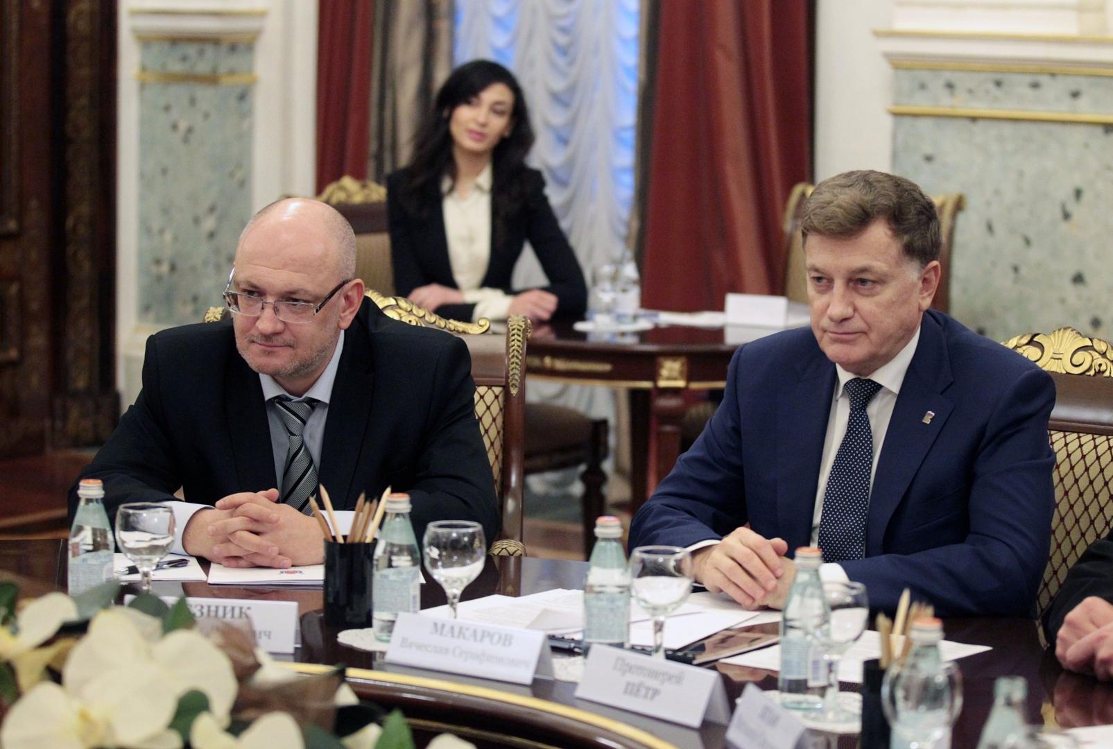 Наркоман и мошенник пытаются переизбраться в петербургский парламент