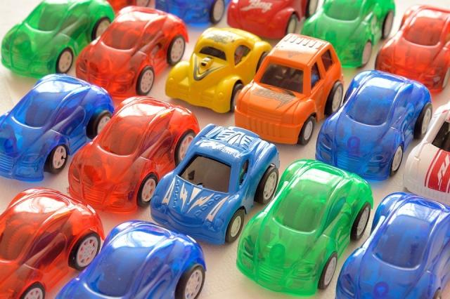 Игрушечные автомобили
