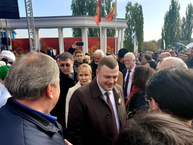 В центре — губернатор Тамбовской области Александр Никитин