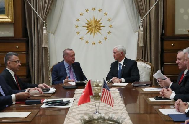 Реджеп Эрдоган и Майк Пенс на переговорах в Анкаре