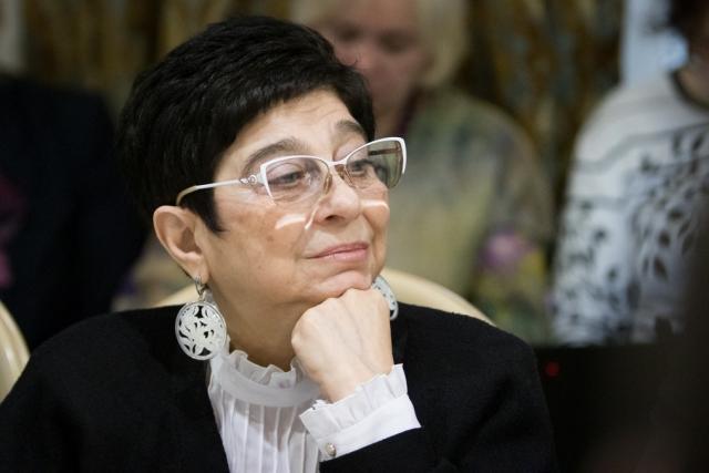 Мария Мамиконян в ОП РФ на круглом столе «Проблемы насилия в семье в свете общественной безопасности»