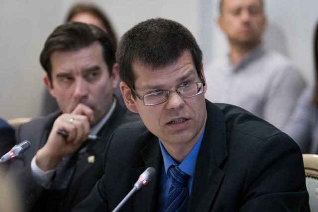 Максим Карев в ОП РФ на круглом столе «Проблемы насилия в семье в свете общественной безопасности»