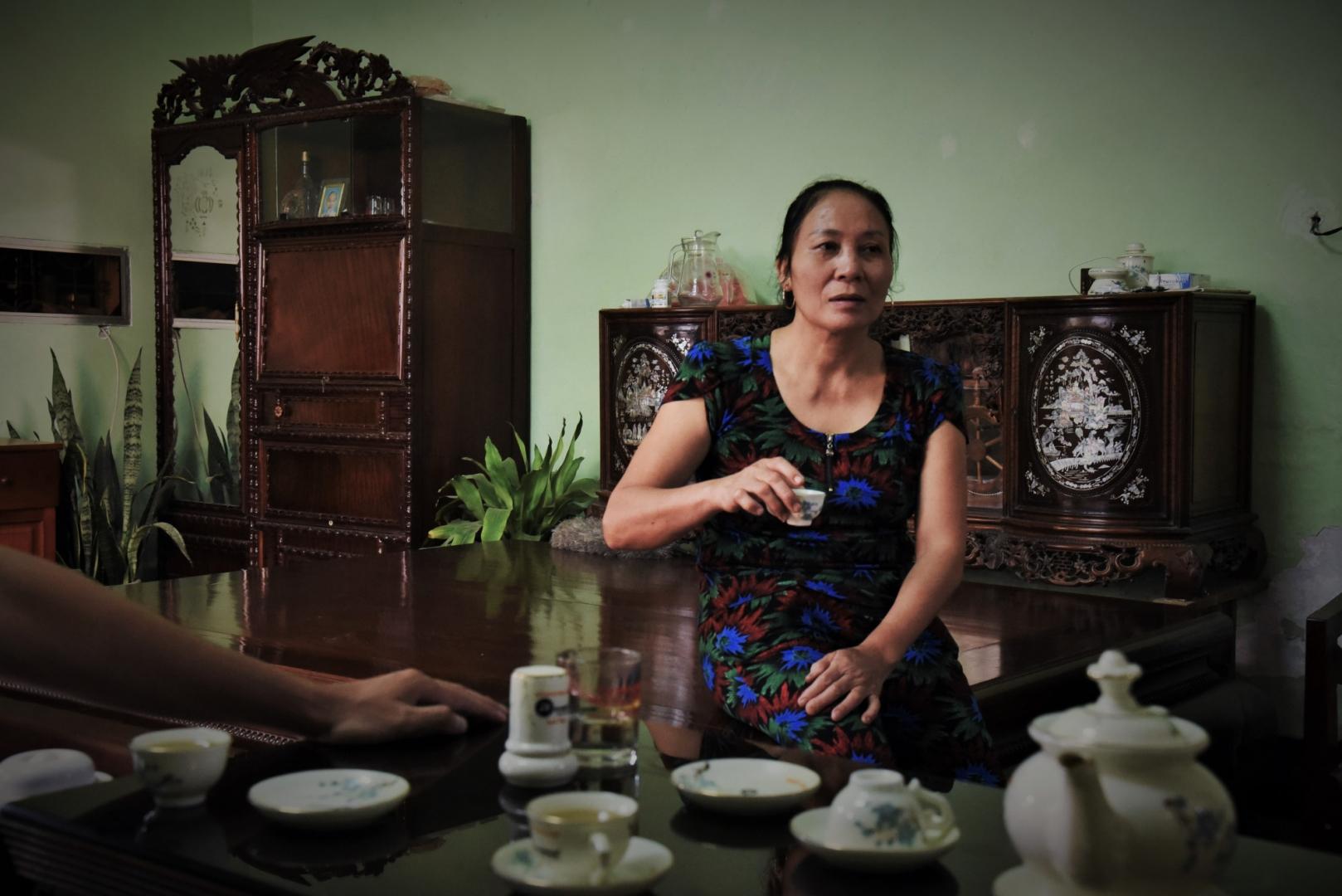 Занятие мужа не стало для Ha Thi Hue неожиданным сюрпризом. Thi Hue родилась в деревне Винь Сон и с раннего детства наблюдала за тем, как ухаживают за змеями её родители
