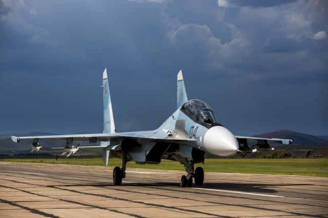 Исстребитель Су-30СМ