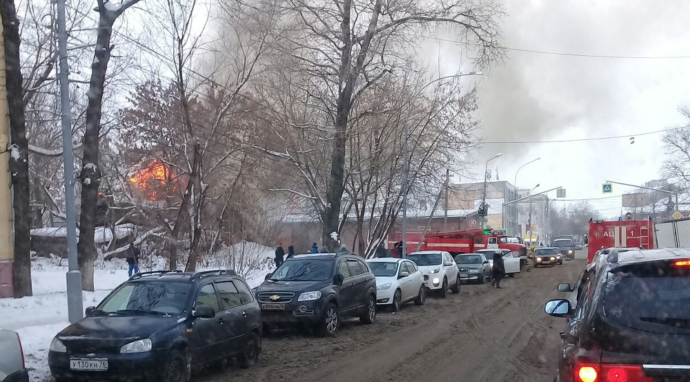 Пожар в ярославле стачек фото