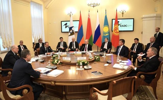 На заседании Высшего Евразийского экономического совета в узком составе