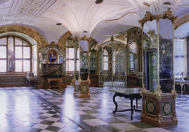 Россия готова помочь в розыске похищенных сокровищ музея в Дрездене