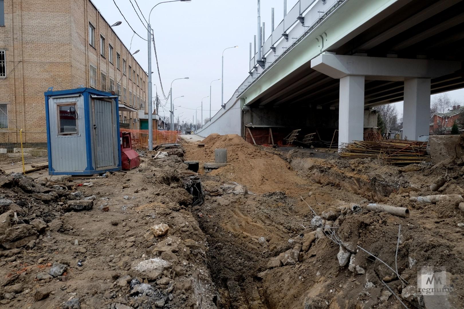 Салтыковская эстакада в день открытия. Вид снизу