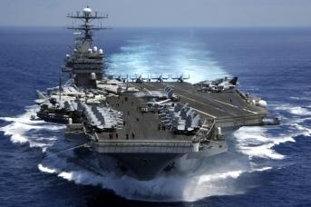 Судороги гегемона: США остались без авианосцев