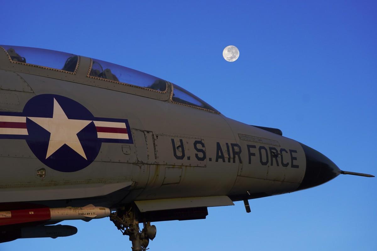 National Interest: ВВС США хотят опять наступить на те же грабли ...