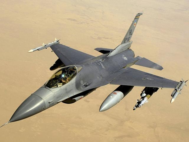 F-16 Фалькон