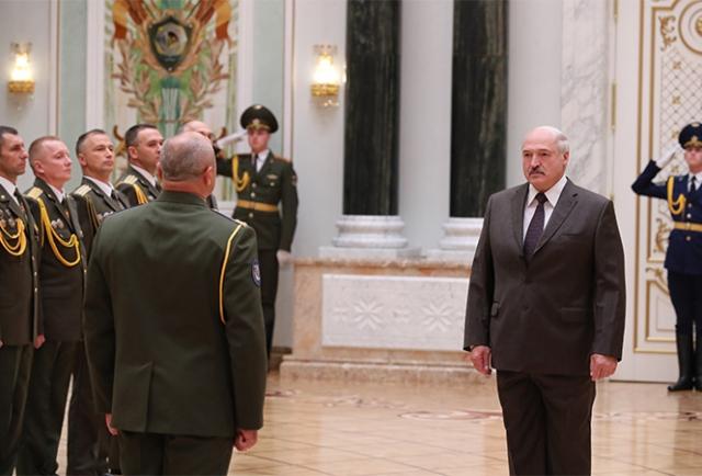 Александр Лукашенко и силовики