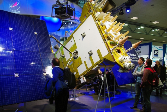 Модель КА Глонасс-К на выставке CeBIT. 2011