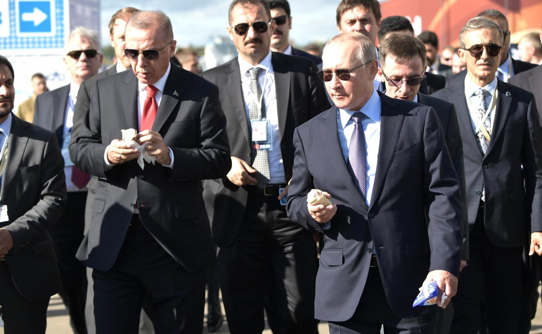 Владимир Путин и Реджеп Тайип Эрдоган во время посещения Международного авиационно-космического салона «МАКС-2019». 27 августа 2019 года, Московская область, Жуковский